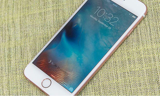 iPhone do të karikohet në distancë