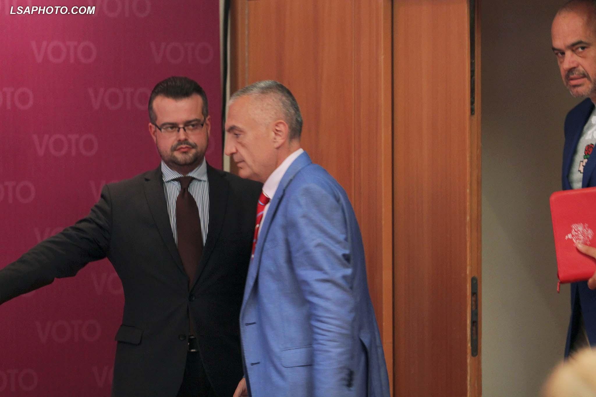 A mund ta shantazhojë më Ilir Meta Edi Ramën?