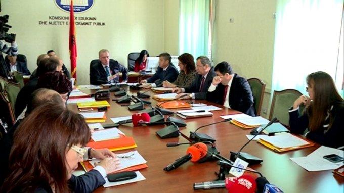 Komisioni i Medias, seancë për punësimin e gazetarëve