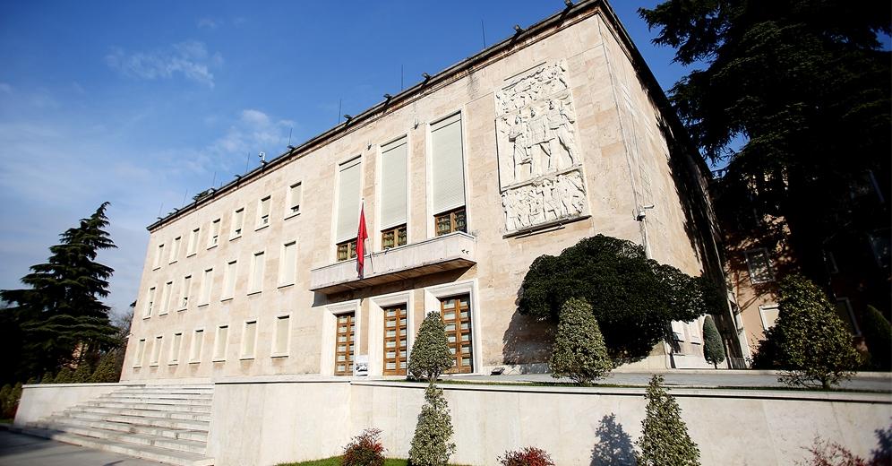 Qeveria: Vetëm në Shqipëri opozita akuzon pse promovojmë vendin
