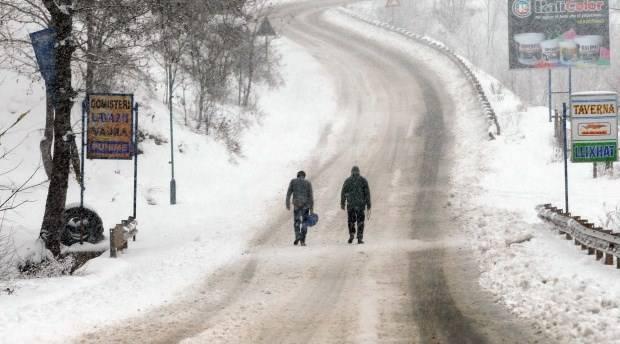 Reshjet e dëborës, probleme në juglindje dhe verilindje