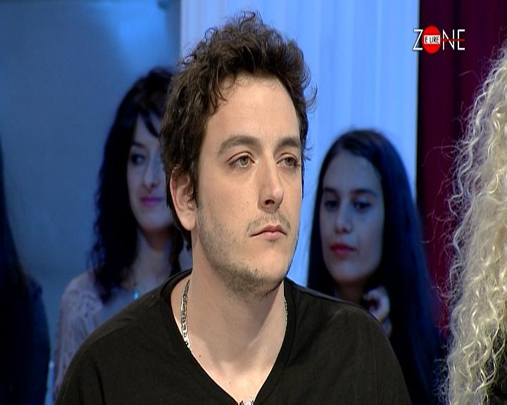Gazetarin e nxjerrin nga teatri në Tiranë, drejtori: Ishte i droguar dhe ngacmonte femrat