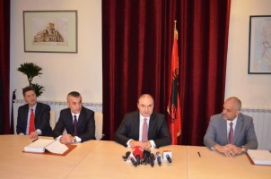 Firmoset marrëveshja për Ujësjellësin e ri të Durrësit