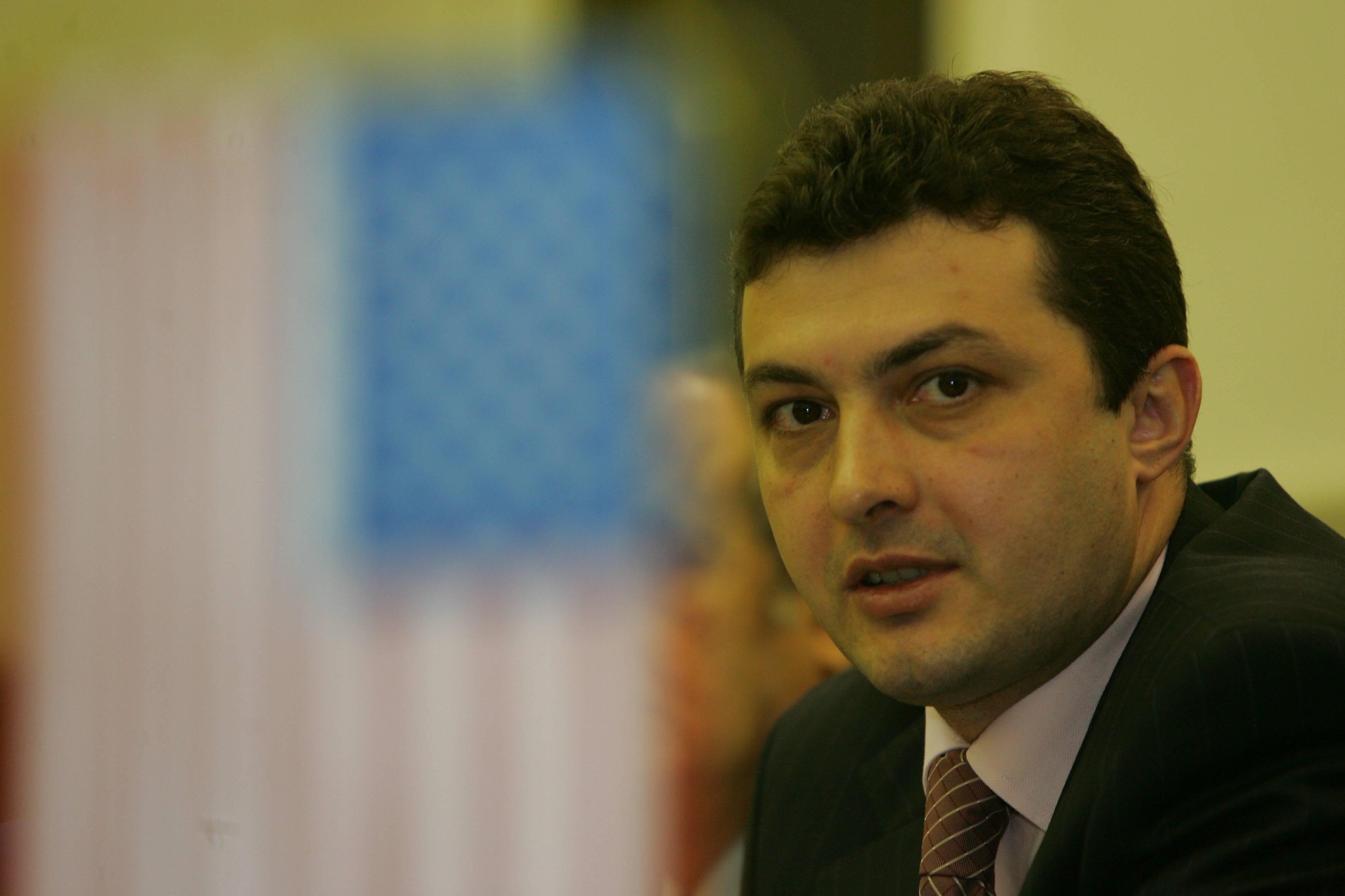 Dënohen me burg ish-ministri i Ekonomisë dhe tre drejtorë