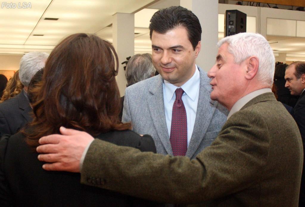 Dashamir Shehi sulmon Bashën: Nuk vihet në pushtet me fytyrat e vjetra
