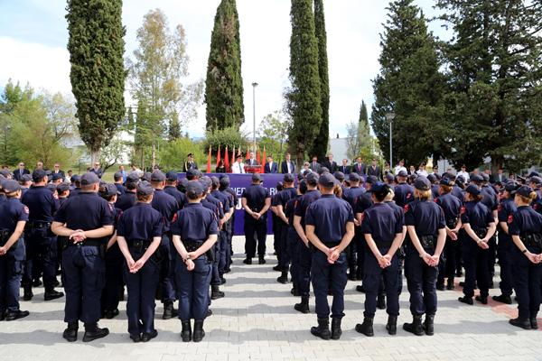 900 euro për tu diplomuar si polic