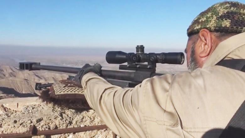 Snajperisti 62-vjeçar irakian filmohet duke vrarë luftëtarin e ISIS-it (Video)