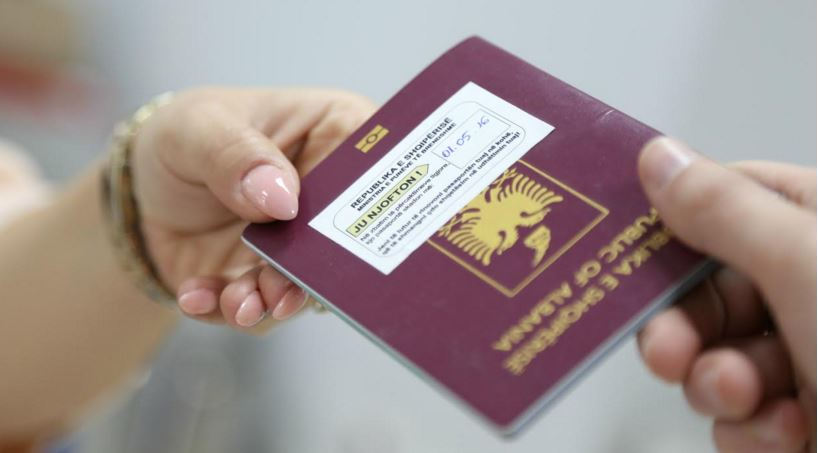 Pasaportat biometrike të gabuara, afati i fundit i përdorimit 31 korriku