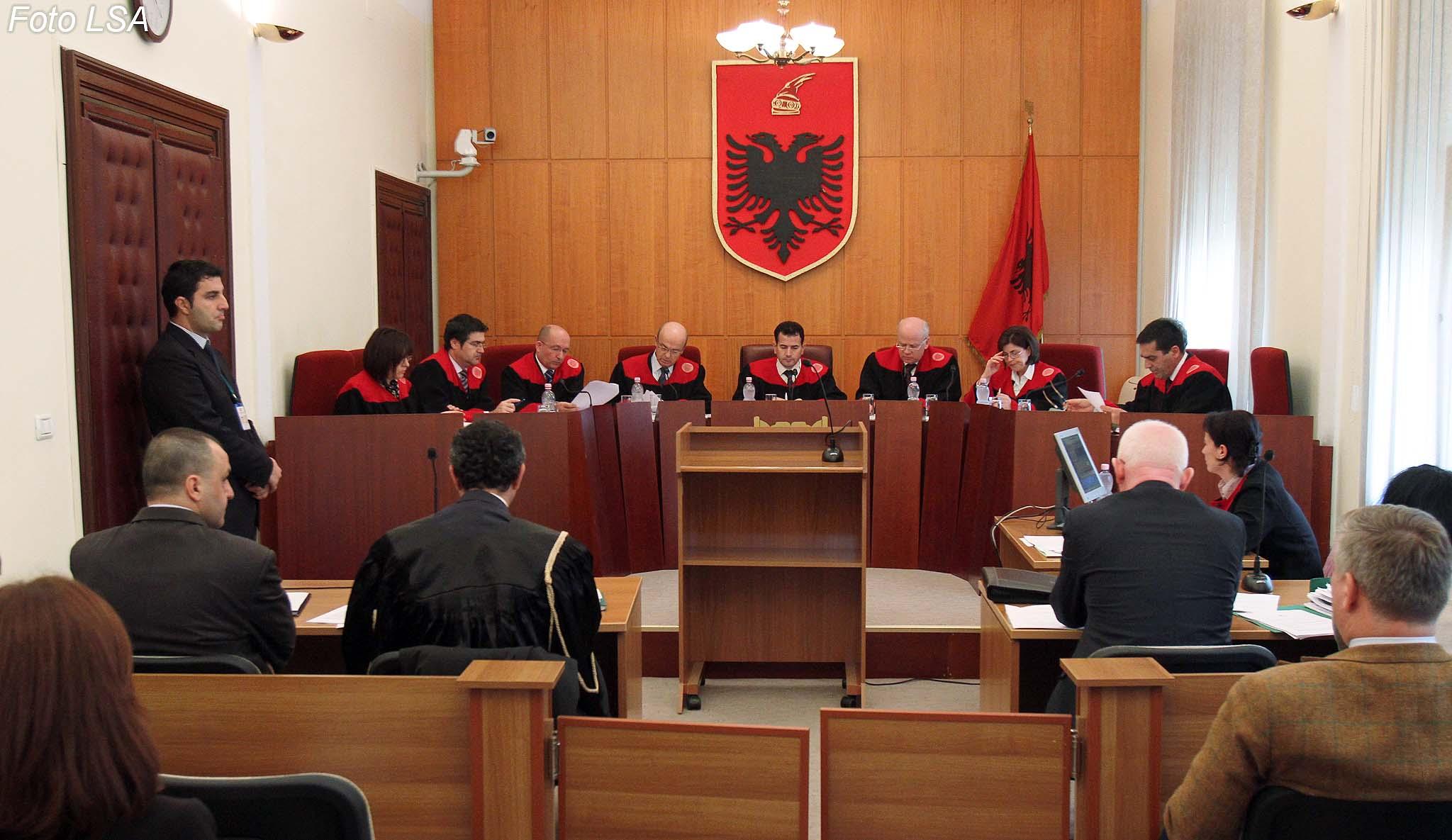 Zbardhet pasuria, ja sa para kanë gjyqtarët e Kushtetueses