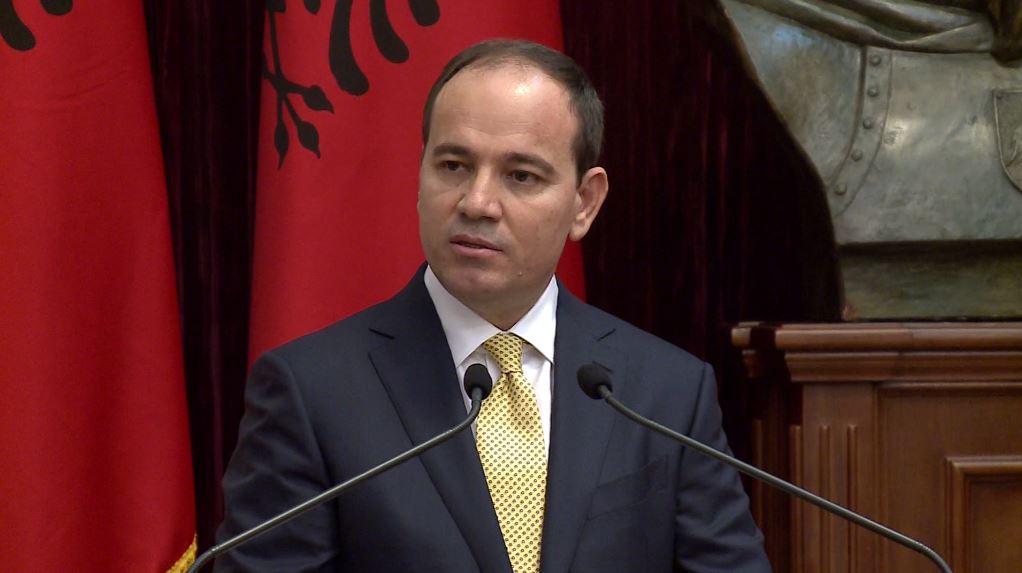 Nishani: Qeveria të dorëzojë përgjuesin