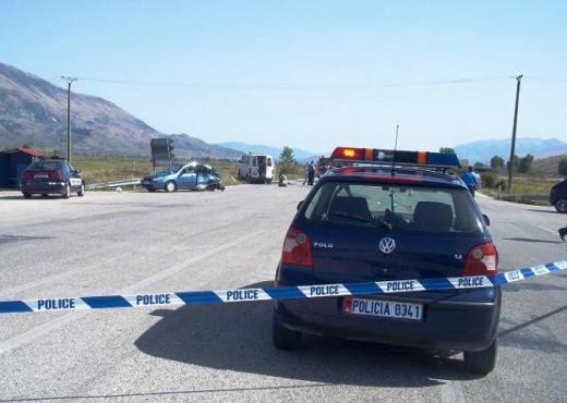 Automjeti del nga rruga, 3 të plagosur në Maminas