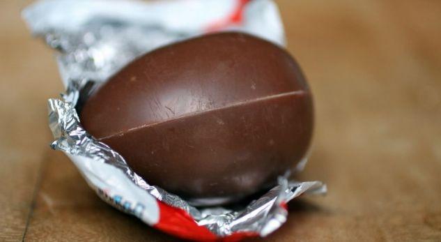 Hap vezën KINDER, por ajo që gjen është shokuese