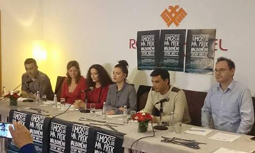 Artistët shqiptarë mblidhen në Valbonë dhe Tiranë për protestë