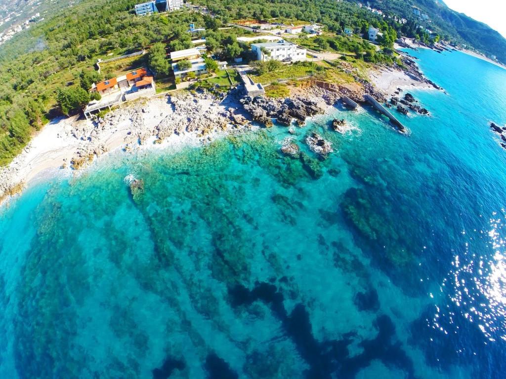 Gazetarja italiane: Dhërmiu, perla e Shqipërisë