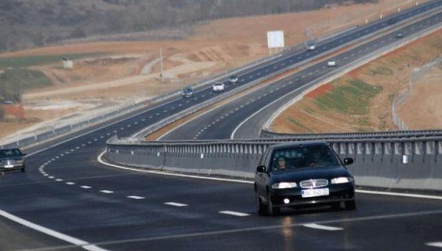 VIDEO / 260 km / h në Rrugën e Kombit