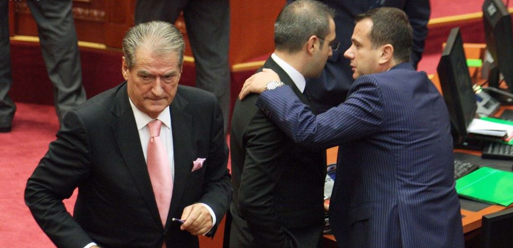 Berisha paraqitet në Komisionin e CEZ, fyen rëndë Taulant Ballën