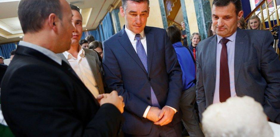 Veseli: Nga nesër, pasuria e nëntokës së Kosovës nuk do të mbetet më në zgafella