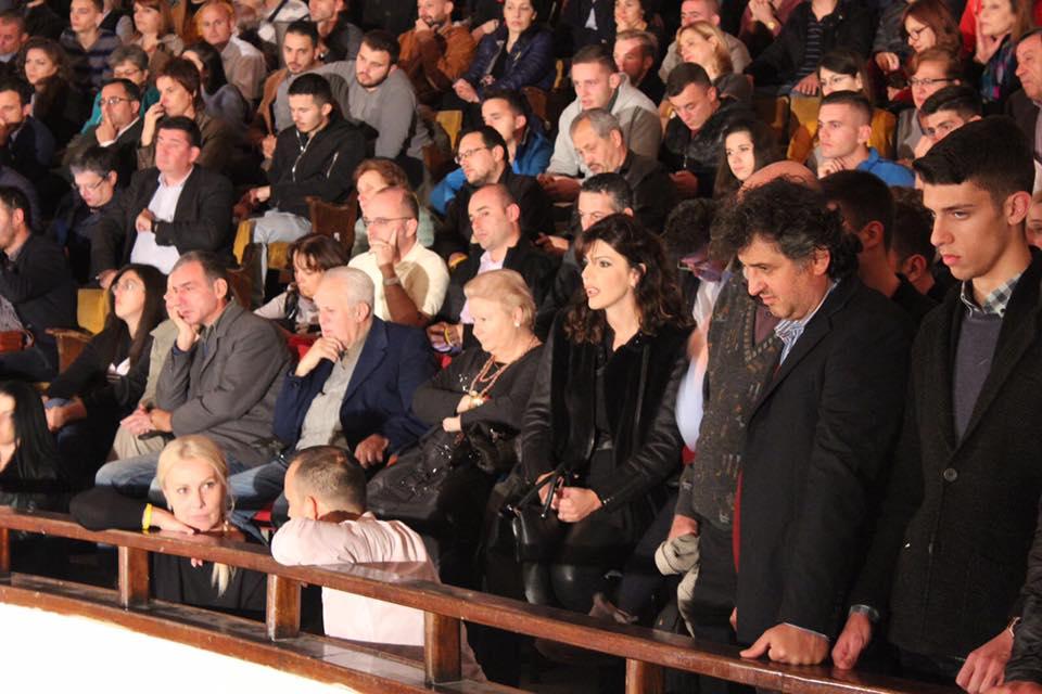 Ben Blushi, parti me Sazan Gurin, Olti Currin dhe Sonila Meçon…