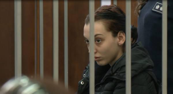 Dogji 4 makina pas sherrit me të dashurin, dënohet me burg vajza nga Tirana