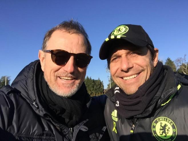 De Biasi i ftuari special i Contes në stërvitjen e Chelsea-it