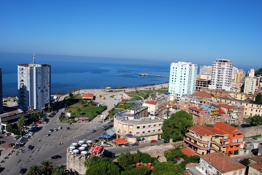 Durrës, gjendet një trup i pajetë në det