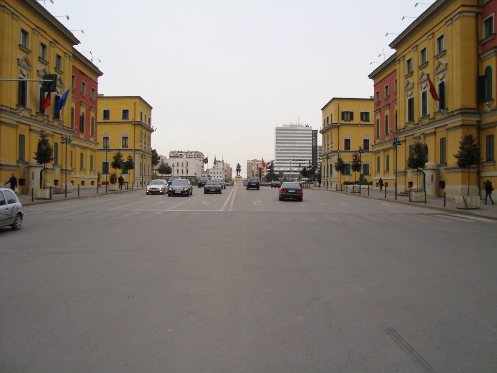 """""""Guinness"""" bllokon qarkullimin në Tiranë"""