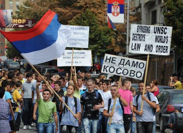 Mesazhi nga Beogradi anulon protestën në veri