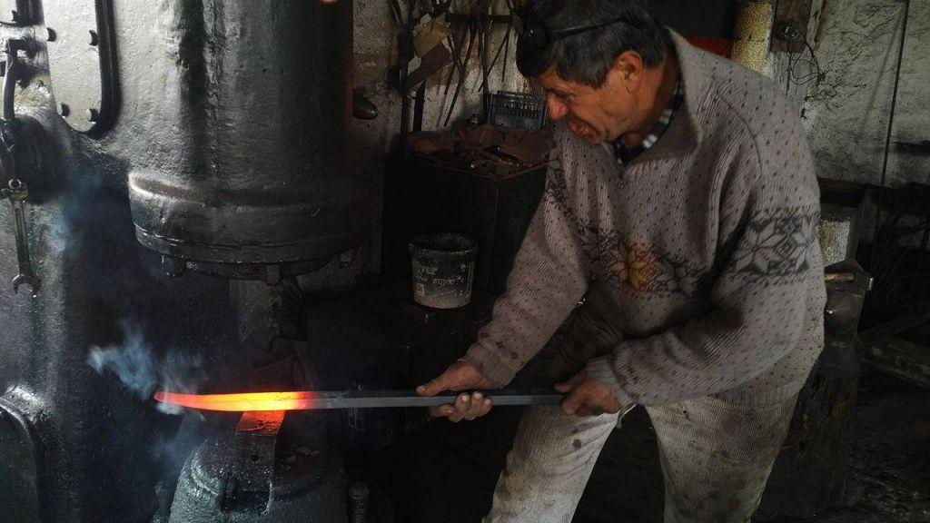 Farkëtari nga Korça, që çuditi Mehmet Shehun