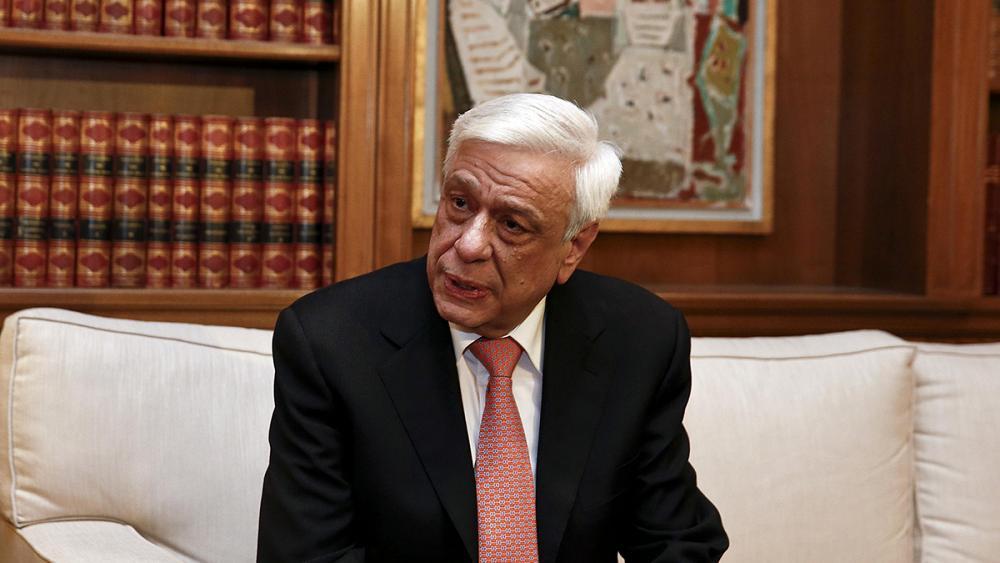 Presidenti i Greqisë kërcënon Tiranën