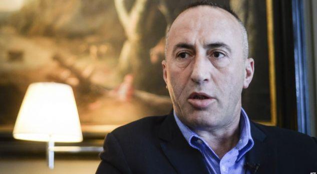 Haradinaj i habitur me bllokadën