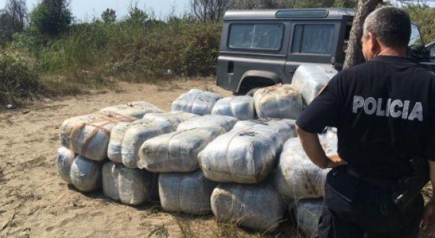 Mbi 1 ton drogë në Seman, pranga shqiptarit dhe të moshuarit italian