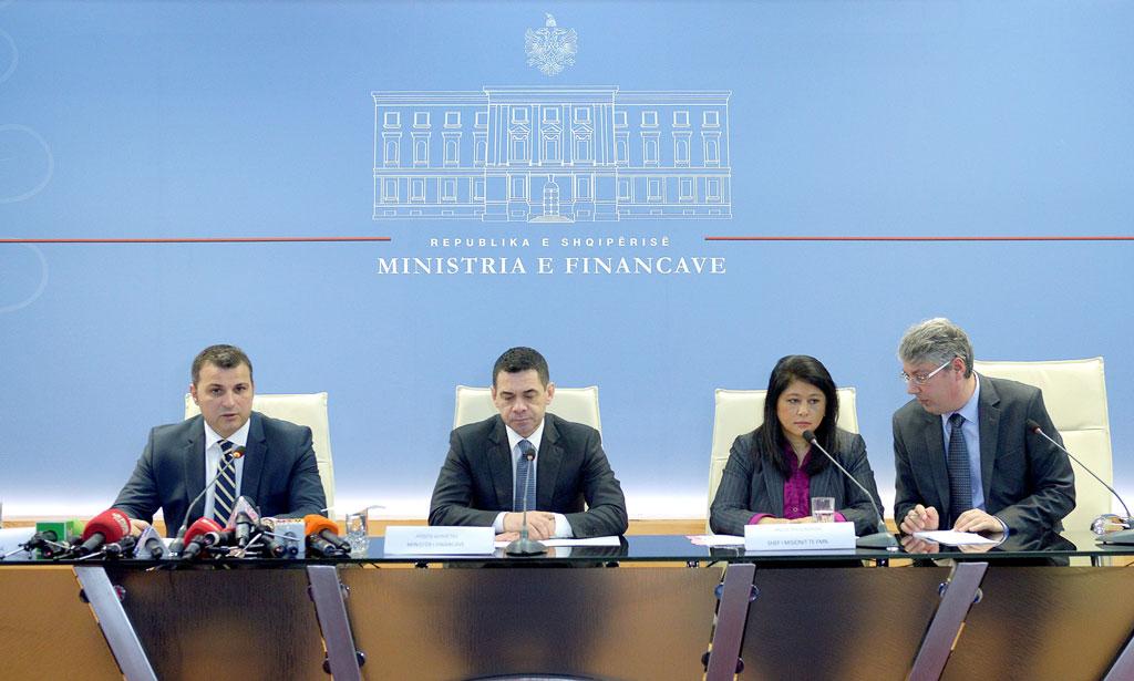 FMN mbërrin në Tiranë me dy misione