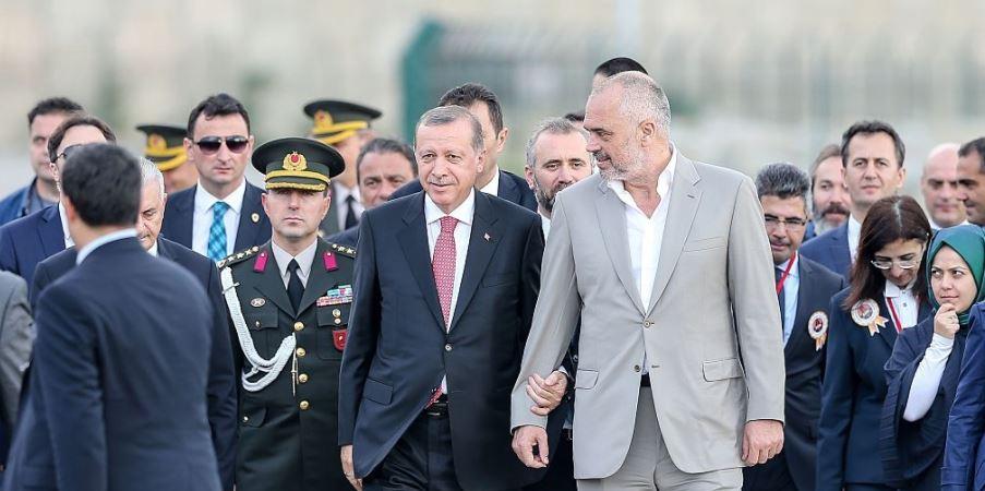"""Reagimi i """"sinqertë"""" i Turqisë ndaj drejtësisë shqiptare"""