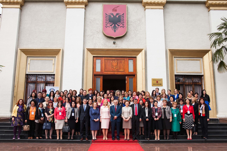 LISTA/ Kjo është pasuria e grave deputete në Shqipëri