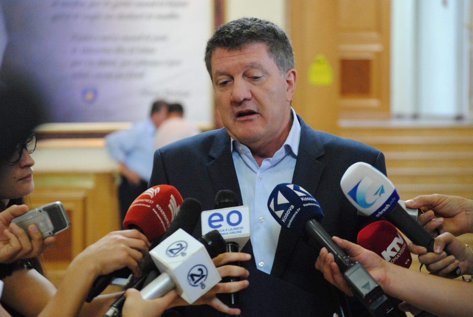 Ngriti skemë mashtrimi, policia prangos deputetin Milaim Zeka