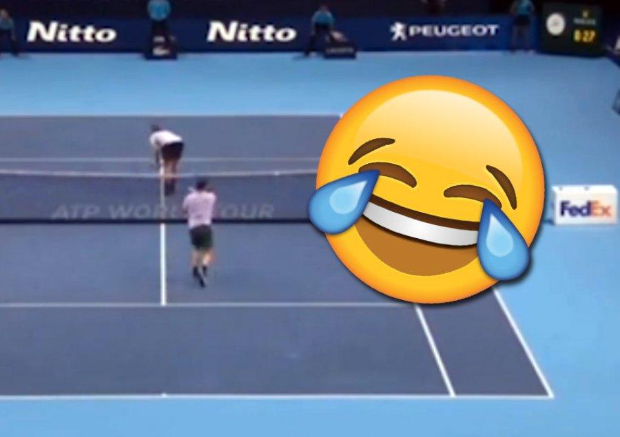 Kundërshtari i kthen by…n, e pabesueshme çfarë bën Federer /Pamjet