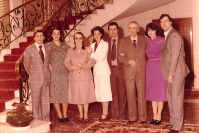 Trondit Liljana Hoxha: Enver Hoxhën e helmuan dhe mjeku u zhduk, ja roli i vjehrrës Nexhmije /Foto