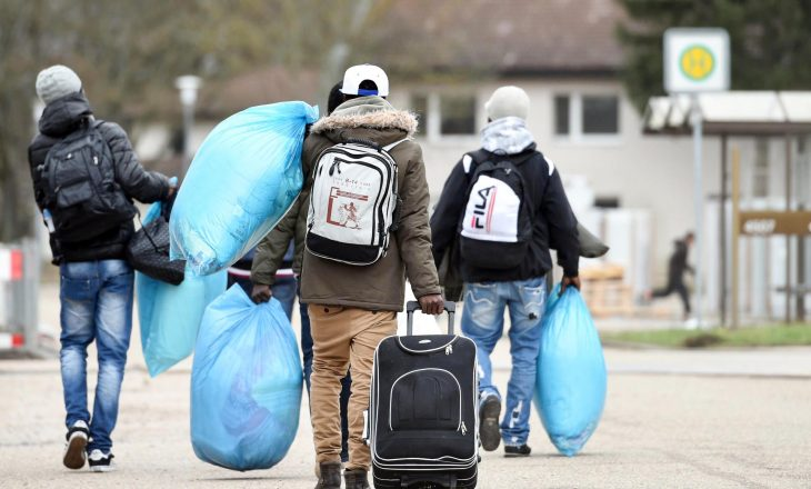 Italia, plan për kthimin e 7500 emigrantëve shqiptarë