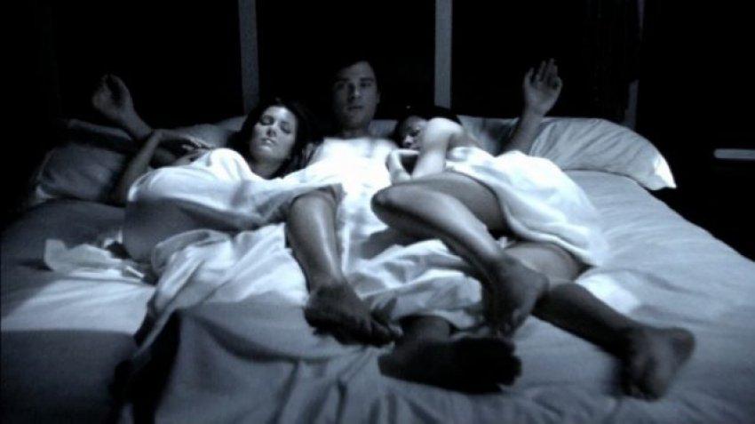 Histori erotike / Bëmë orgji me shoqen e ngushtë dhe ishte…