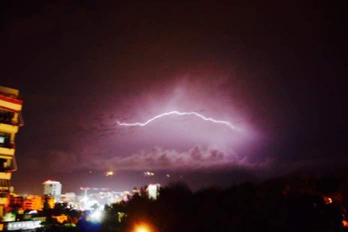 Sinoptikanët grekë në alarm: Shqipëria do të goditet shumë keq, reshjet do jenë sa…