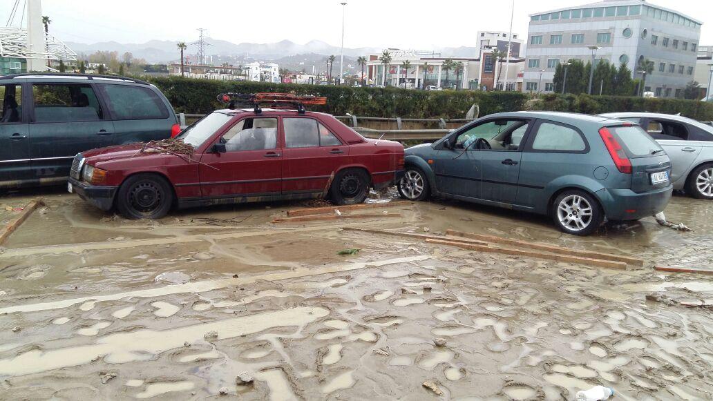 Pamje të frikshme nga autostrada Tiranë-Durrës