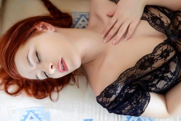 Pse disa gra nuk arrijnë në orgazëm? 5 pozicionet më të mira për ta arritur