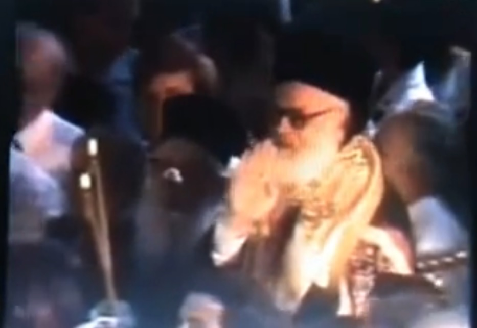 VIDEO / Kur Janullatos u zgjodh Kryepeshkop, salla brohoriste: Fan Noli! Fan Noli!