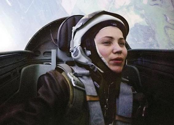 Madamë MiG, njihuni me piloten femër, që ka bërë historinë..