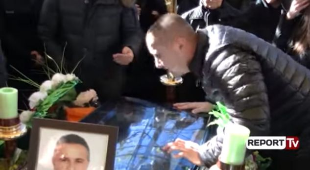 I biri përcjell Aleksandër Ndokën me pranga në duar