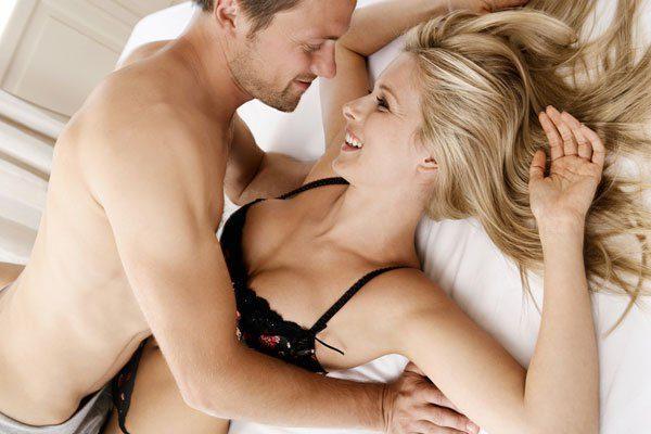 Seksi, ç'mendon femra kur bën dashuri? Ja e vërteta!