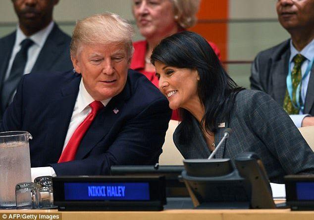 Ambasadorja e SHBA bën seks me Presidentin Trump? Ja çfarë deklaron vetë brunja