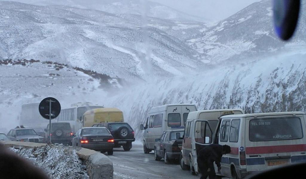 Reshjet e borës/ Zonat problematike dhe akset e pakalueshme në vend