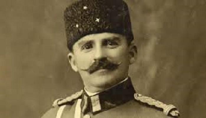 Historia e padëgjuar/ Kryeministri i Shqipërisë që urdhëroi ekzekutimin e ministrit të tij