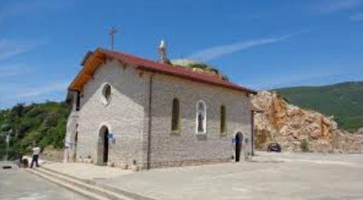 Kapet hajduti i Kishës së Laçit, vidhte paratë e hedhura nga besimtarët